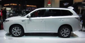 Mitsubishi Outlander PHEV - hybridní offroad